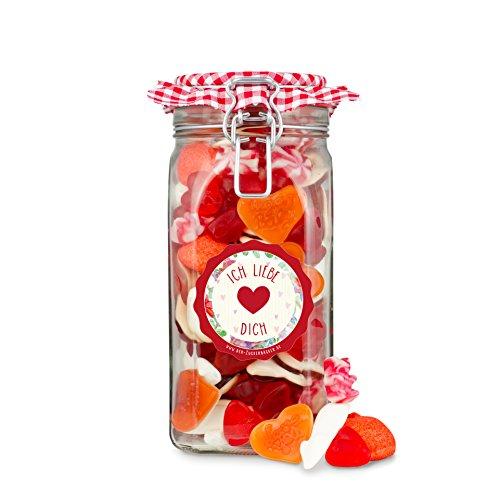 Süßes Camgirl Mit Einer Fotze Voller Süßigkeiten